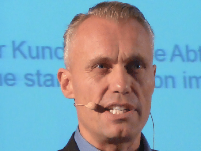 Tom Buser Redner