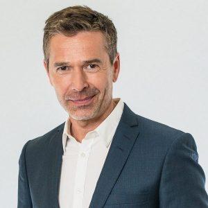 Keynote-Speaker Dirk Steffens im Vortrag